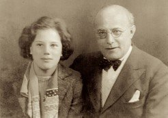 "<div style=""text-align: left;"">Karl and Kari Polanyi in 1938 when she accompanied him, aged 15, to one of his lectures in southern England organized by the Workers' Educational Association</div>"