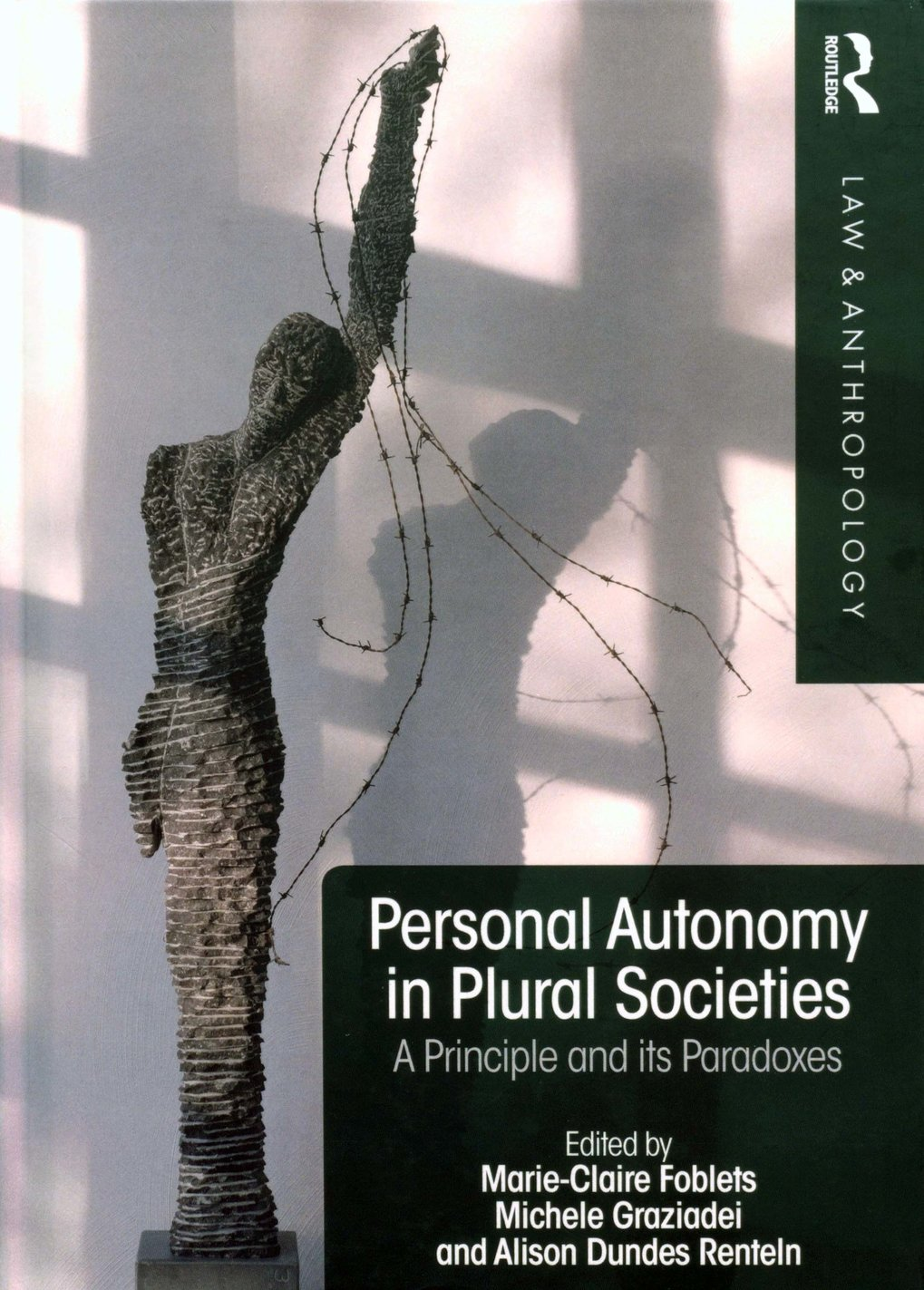 Personal autonomy in plural societies. A principle and its paradoxes