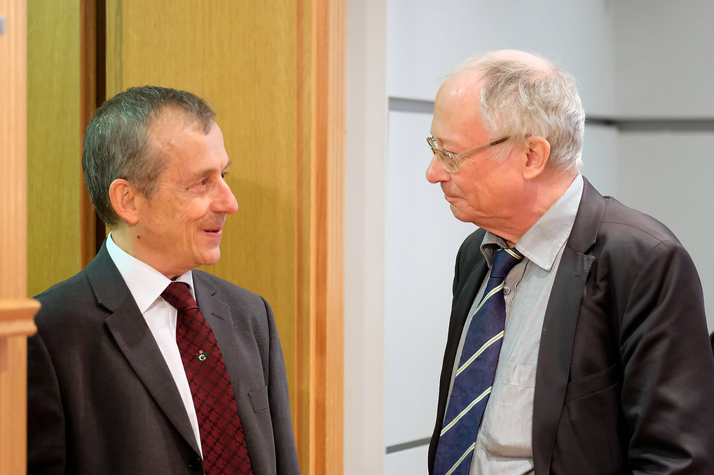 Udo Sträter, Rector of the Martin Luther University Halle-Wittenberg, also attended the conference. Here shown in conversation with Max Planck Director Chris Hann.