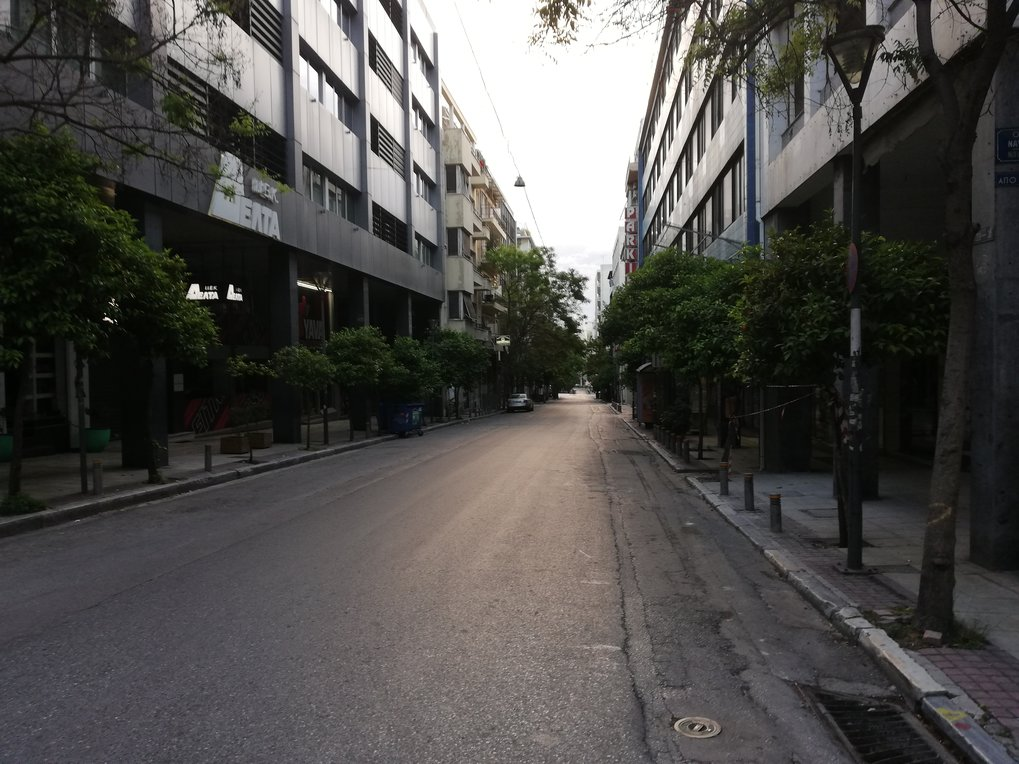 Pandemic (Im)Mobilities: Motorbike Delivery Workers in Locked-down Athens